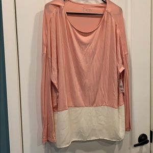 Simply styled long sleeve shirt